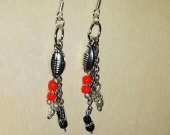 FAN GEAR Cute Tampa Bay Buccaneers dangle earrings