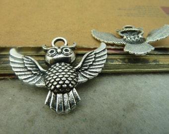 20 Owl Charms Antique Silver Tone - DYS4931