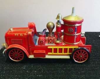 Vintage Tin Fire Truck (Battery Operated)