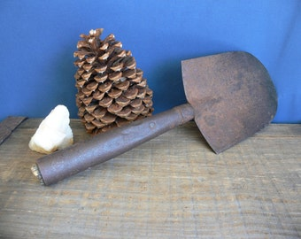 SHOVEL or SPADE Small Rustic Unusual Vintage/Antique, Round Shovel Head, Possibly Mining/Miner's Shovel, Hand Forged?