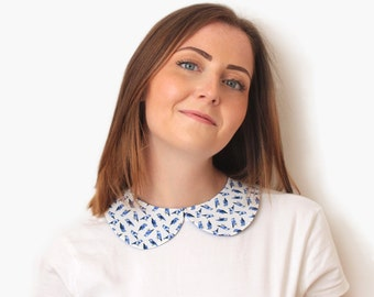 Retro Peter Pan removable collar made with white cotton printed with blue birds - attached with ribbons - 50's collar