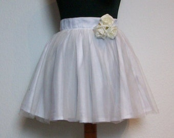 Tulle skirt layered look - white beauty