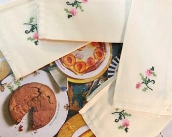 Embroidered Napkins Vintage Set Of 4 Pink Flowes