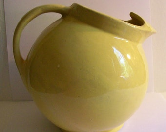 Vintage McCoy Pottery Yellow Tilt Ball Pitcher Jug Kitchen Collectibles