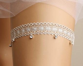 Wedding garter, bridal garter, toss garter, lace garter, rhinestone garter, crystal garter, lace wedding garter, silver garter