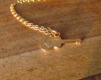 Music necklace, guitar gold necklace, electric guitar necklace, music necklace, music jewelry, guitar charm necklace