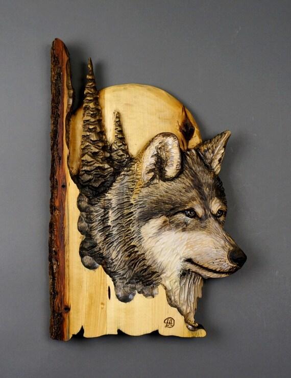 Loup sculpture en relief par davydovart cadeau bois
