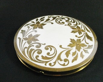 Vintage Rex Fifth Avenue Large flapjack Refillable Compact with white enamel front gold overleaf flower design - Bridesmaid gift