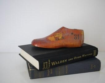 United Last Company, Ltd. Shoe Form - Child's Size 8