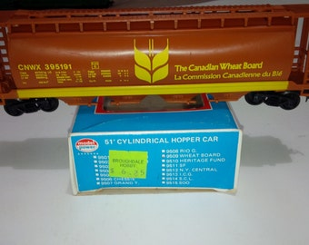 Vintage Model Power HO Scale Model Railroad Train CNWX395191 Canadian Wheat Board Cylindrical 4 Bay Hopper With Box