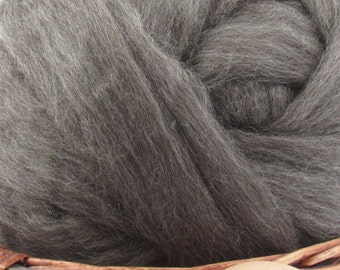 Grey Finnish Wool Top Roving - Undyed Natural Spinning & Felting Fiber / 1oz