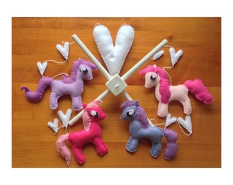 Felt crib mobile with ponies and love hearts