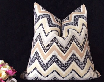 Modern pillow Cover, Throw Pillow, Chevron Pillow, Decorative Pillow, Pillow Covers 18 x 18, Accent Pillow, Pillow covers with zipper