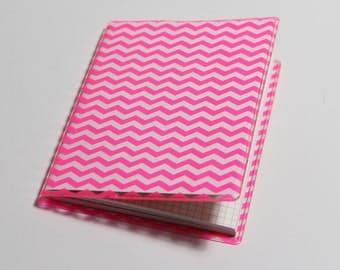 Mini notebook with hull / pink zigzag Chevon