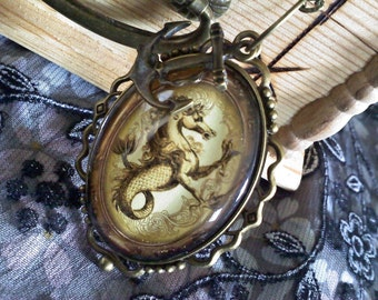 Vintage-Style Seahorse Cabochon Necklace