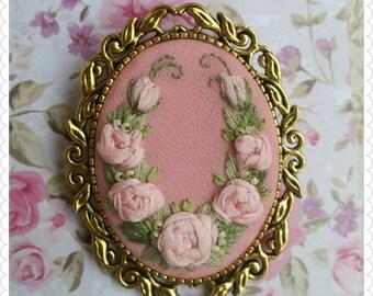 PB1 Pink roses brooch