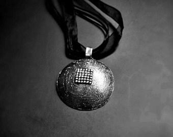 Silver honeycomb pendant