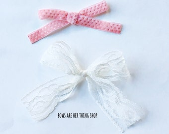 DAINTY MISS hand tied bow set