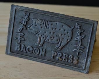 Vintage, Metal Pig ,Bacon Press , Bacon Metal Press, Cast Iron Bacon Press,Cast Iron, Vintage Cast Iron