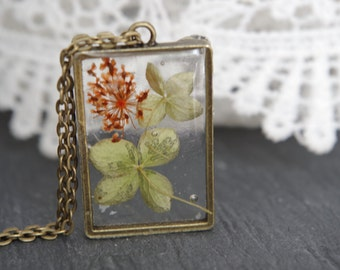 Flower necklace Real flower necklace Resin jewelry Dried heather necklace Pressed flower pendants Botanical necklace Unique Gift for her