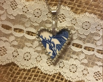CLEARANCE - Blue Willow Heart, Broken China Jewelry necklace