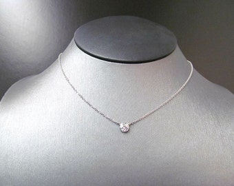 Simple and Classic Diamond Solitaire Necklace
