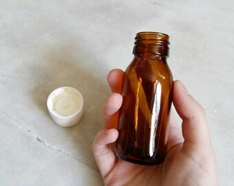 1 bottle / 50ml amber glass bottle