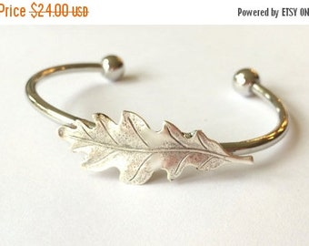 Silver Oak Leaf Bracelet Oak leaf bangle Oak Bracelet Bangle Oak Tree Jewelry Oak leaf Jewelry Silver woodland bracelet stacking bracel