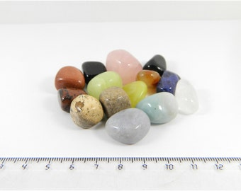 Set of 14 polished different stones