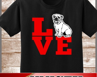 Bulldog Shirt.  Cute LOVE Bulldogs Tee.  Excellent Gift for a Bulldog Mom and all Bulldog Lovers