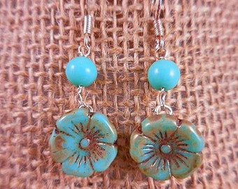 Turquoise Flower Beaded Dangle Earrings