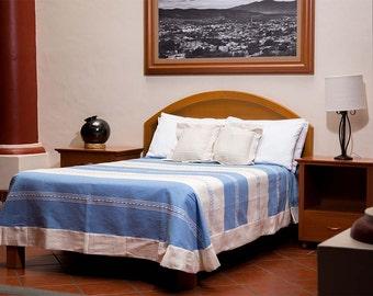 Mitla Bedspread - Light blue with chocolate