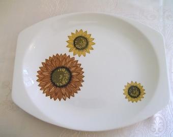 J & G Meakin 'Palma Sunflower' Serving Plate