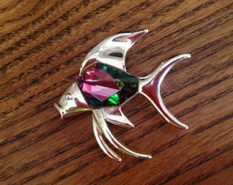 Sarah Coventry Purple and Green Heliotrope and Silver Fish Brooch 0512