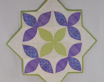 Lilac & Lime Stars Table Topper