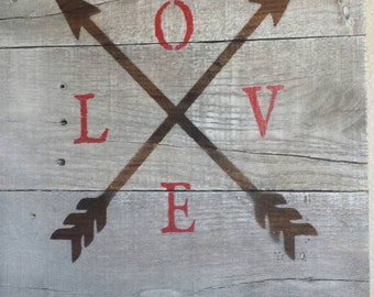 Arrows with love, pallet sign