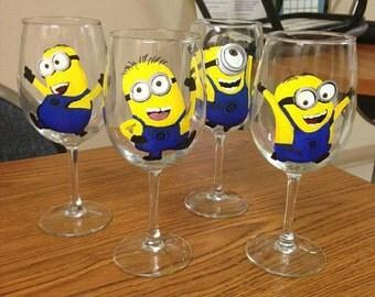 Single Dancing Minion Glass