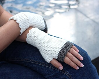 Cream and gray wristwarmers, supersoft merino wool arm warmers, crocheted fingerless gloves, office gloves, wrist warmers
