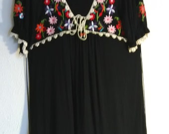 Pretty soft knit Embroidery top