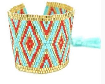 beaded pattern bracelet