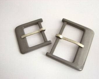 Grey Plastic D-buckles, Small annd large, Rectangular belt buckles with prongs, unused!!
