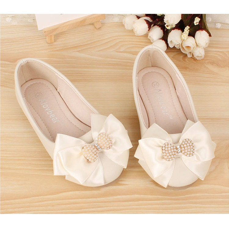 ivory flower girl shoes bow girls shoes pearl ribbon satin