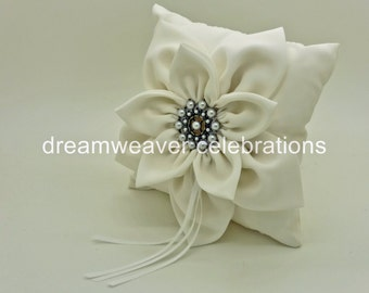Vintage ring bearer cushion/pillow, wedding and bridal accessories.