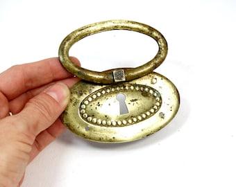 Vintage brass key hole plate - Vintage escutcheon - Rustic key hole plate - Ornamental brass key hole plate - Vintage furniture hardware