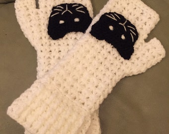 Hand croched mittens with cats faces