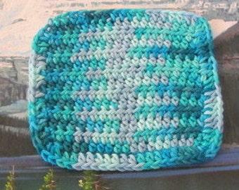 0261 Hand crochet dish cloth 6 by 5.5