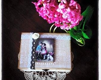 Shabby Chic romantic jewelry box