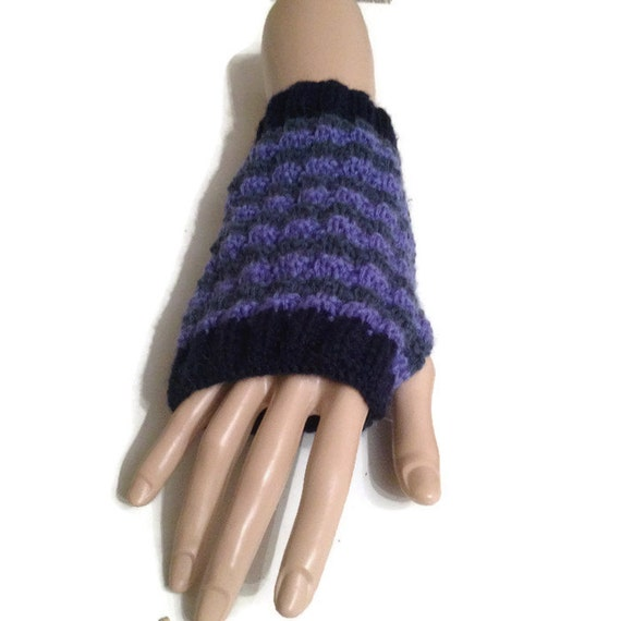 Easy Fingerless Gloves Knitting Pattern Straight Needles : KNITTING PATTERN Fingerless Gloves / Mitts Wrist Warmers