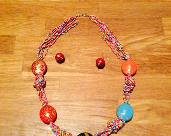 Multicolored Pearl Necklace + earrings