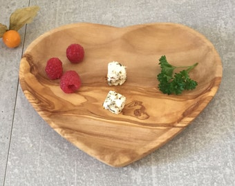 Olive Wood Heart Plate,Wooden Heart Plate, Heart Tray, Heart Shaped Plate, Gift,